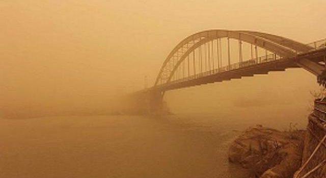 گرد و غبار از کانون کویت برخی نقاط خوزستان را فرا گرفت